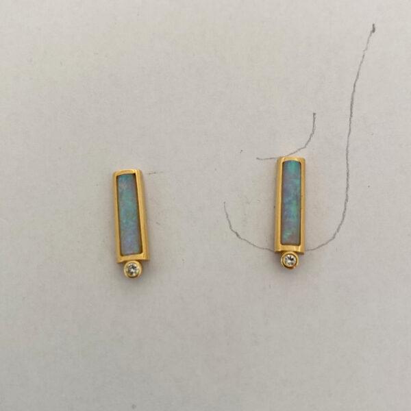 O-11 Opal 750 Gold